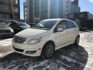 2011 Mercedes B200 Turbo Toit panoramique, Mags, Bluetooth