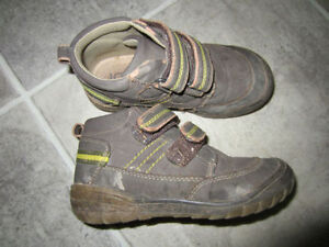 Boys JOE boots size 9