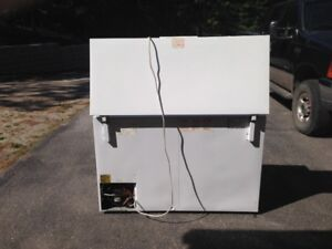 Chest Style Deep Freeze For Sale