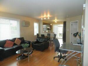 Appartement 4 1/2 condo à louer tout meublé et compris Laval