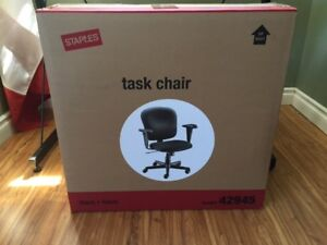 Staples fabric task chair in box, new,black