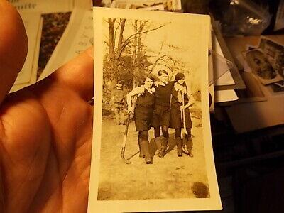 VINT SNAPSHOT PHOTO, YOUNG WOMEN FIELD HOCKEY PLAYERS