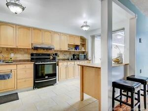 MUST RENT!!! 3 Bedroom Townhouse Clarkson Mississauga !