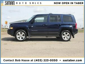 2012 JEEP PATRIOT LIMITED 4WD WITH NAV/SUNROOF/LEATHER