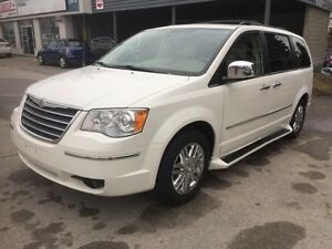 2010 Chrysler Town & Country Limited - Backup Cam- Loaded