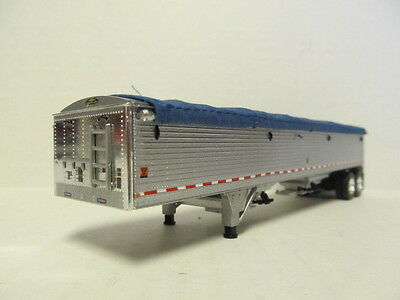 DCP 1/64 SCALE WILSON GRAIN TRAILER (HOPPER BOTTOM) SILVER SIDES WITH BLUE TARP