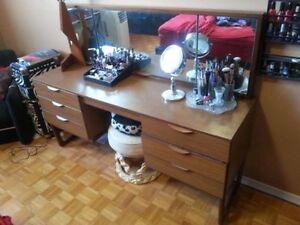 Vintage MCM vanity/sideboard