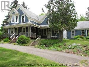 Restored Century farmhouse and land - perfect for B&B / Vineyard