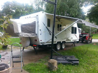 Palamino Stampede model S-23 year 2006 opens to 28' both ends Qu