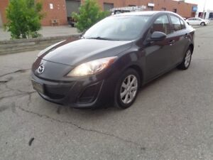 2011 Mazda MAZDA3 AUTO*** SUPER CLEAN *** WE FINANCE EVERYONE***