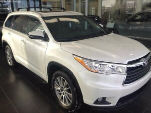 2015 Toyota Highlander XLE-HEATED LEATHER SEATS, BLUETOOTH, ONE