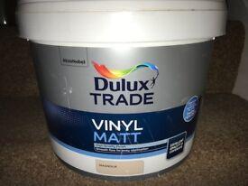 Dulux Trade Vinyl Matt Emulsion 10L Magnolia SEALED