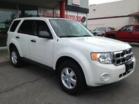 08 Ford Escape XLT 3.0 V6 4X4 low kms