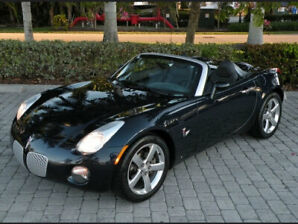 Pontiac Solstice sports car