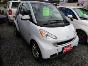 2009 smart fortwo-leather-sunroof-heated seats-alloys-65,000 kms