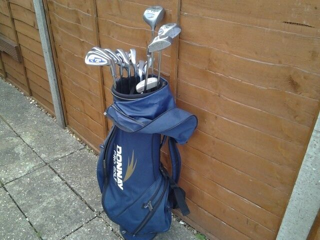 MATCHED SET OF DONNAY PRO 1 GOLF CLUBS IN DONNAY BAG