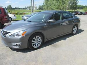 2015 Nissan Altima 2.5 S **CLEAN TITLE BEEN REPAIRED**