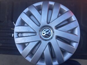 WANTED - WANTED - VW HUB CAP (s)