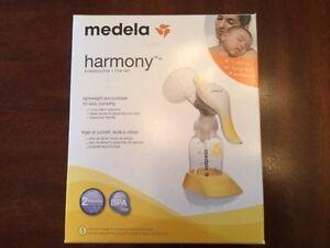 Tire-lait de marque Medela modèle Harmony
