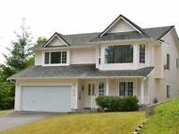 SOUTH NANAIMO 3 BDRM UPPER SUITE OF HOUSE - 1 mile walk to VIU