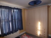 double room available now for working persons