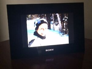 """Sony Digital Picture Frame 10"""" West Island Greater Montréal image 2"""