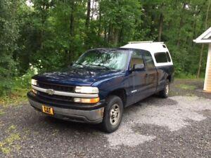 2000 Chevrolet Silverado 1500 4wd 8 foot box, fibreglas cap