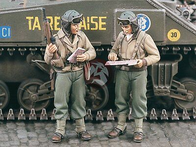 Verlinden 1/35 US Tank Commanders poring over a Map WWII 2 Figures 1609