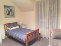 Comfortable Large Single Furnished Room To Let on Alness High Street - Parking Close By