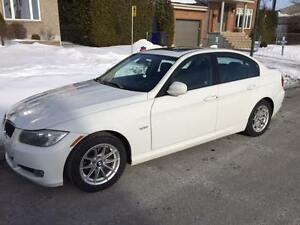 2010 BMW 3-Series 323 Berline