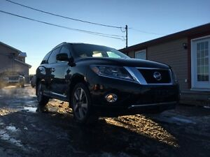 2014 Nissan Pathfinder PLATINUM **ALL CREDIT APPROVED**