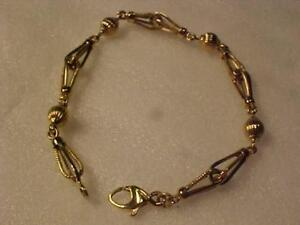 "#3391-UNUSUAL HAND CREATED 18K Y/Gold bracelet 9"" LONG-LOBSTER CLAW CLOSURE-HALLMARKED 18K Free s/h in Canada interac"