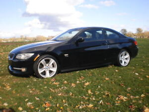 BMW 328 Xdrive 2011 Sport Pack Coupé - AUTOMATIQUE - 8 PNEU/MAGS