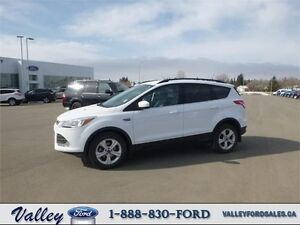 PERFECT CONDITION & DRIVER FEATURES! 2014 Ford Escape SE 4WD