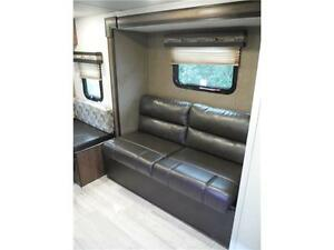 2017 Palomini 179RDS Ultra Lite Travel Trailer with Slideout Stratford Kitchener Area image 6