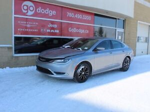 2015 Chrysler 200 Limited / Heated Front Seats