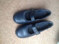 'Easy B' soft leather, extra wide ladies shoes. 2 pairs size 6. Worn once. In current catalogue.