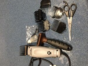 grooming set for dogs or cats