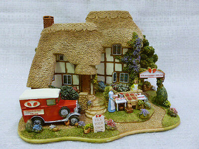 Lilliput Lane Strawberry Fields 2004 Anniversary Cottage L2683
