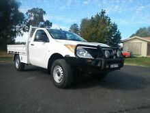 2013 Mazda BT-50 UP0YF1 XT Cool White 6 Speed Manual Cab Chassis Young Young Area Preview