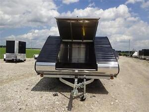 2017 TRITON 11' Clam XT- FULLY LOADED-MATS & GUIDES!! London Ontario image 2
