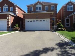 Beautiful Detached 4 Bed Room Home Located Convenient Area