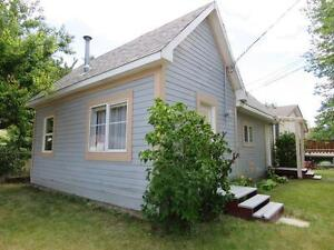Reduced Price! Newer ROOF Plenty of UPDATES within the last 4yrs