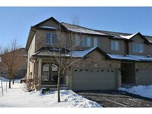 BEAUTIFUL HOME IN ANCASTER - 441 STONEHENGE Drive #40