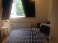 Cheap and Spacious Double Room in Homerton - 2 MIN WALK FROM THE STATION