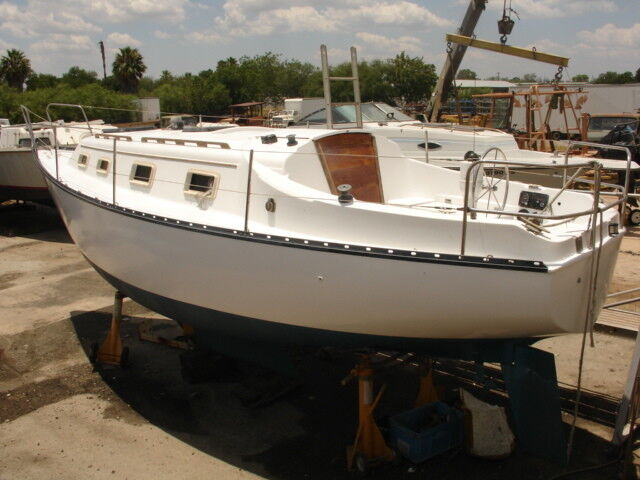 "27ft Hunter Sailboat Shoal Draft 3' 6"" Diesel engine"