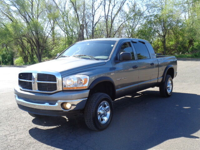 Image 1 of Dodge: Ram 1500 4dr…