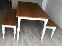Oak Dining table & 2 matching oak benches