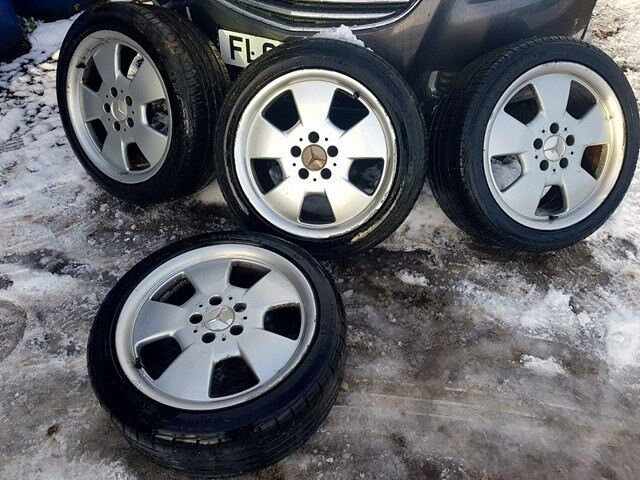 """17"""" Mercedes Genuine Alloys,As New Tyres"""