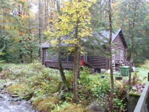 FRELIGHSBURG, LOG CABIN, PRIVATE LOCATION 4 1/2 FOR RENT